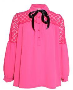 Houd jij van vrolijke kleuren? Dan is het merk 'Love Paris' zeker wat voor jou. Deze fleurige roze blouse van Love Paris vind je nu ook via Aldoor in de uitverkoop! #mode #dames #vrouwen #trends #blouse #shirt #trui #women #fashion #pink #sale