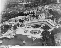 Am 14. Mai 1904 eröffnete der Gastronom August Aschinger zusammen mit dem ehemaligen Küchenchef des Kempinskis, Bernd Hoffmann, die Terrassen am Halensee, die 1909 in Lunapark umbenannt wurden. Es war ein moderner Märchenpalast mit beeindruckenden Türmen und einer großen Freitreppe zum Halensee hinunter.
