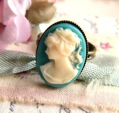 Love this cameo ring ~