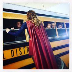 """""""Gracias a @karterhol tenemos imágenes del rodaje de #Supergirl como éstas."""""""