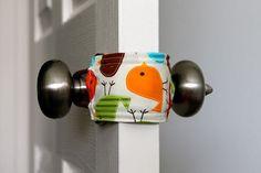 door jammer – makes for quiet doors with sleeping babies. diy-baby-stuff Source by LexieHurtt Door Jammer, Door Knob, Door Handles, Bringing Baby Home, Everything Baby, Baby Jogger, Baby Time, Baby Crafts, Baby Sewing