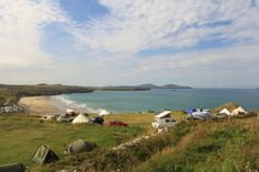 Campers, forget facilities – this site is within surfboard dragging distance of the waves and it is all about the beach, the sea and, well, the swell!