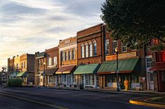 Main Street in downtown Kingsport, TN.  Photo: Earl Carter  Southern Visions blog