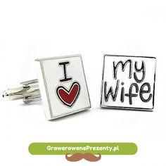 """Zabawnym upominkiem imieninowym dla mężczyzny może być komplet spinek do mankietów z napisem """"I Love My Wife"""". Może to być podarunek zarówno od żony jak i od przyjaciół czy rodziny, jedno jest pewne, na pewno wywoła on szeroki uśmiech na twarzy obdarowanego! http://bit.ly/1zJpaGp"""