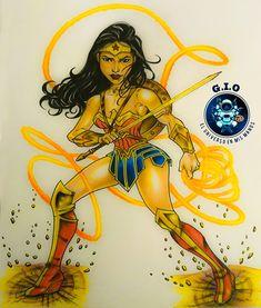 Mi versión propia de esta maravillosa Mujer! Quieres la camiseta estampada y otros productos! Sigue la dirección electrónica hacía mi página web. My Drawings, Wonder Woman, Superhero, Cool Stuff, People, Handmade, T Shirt, Fictional Characters, Beauty