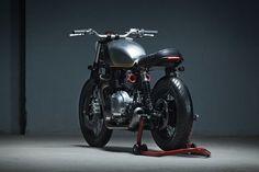 Triumph Bonneville Brat Style by Kiddo Motors #motorcycles #bratstyle #motos | caferacerpasion.com