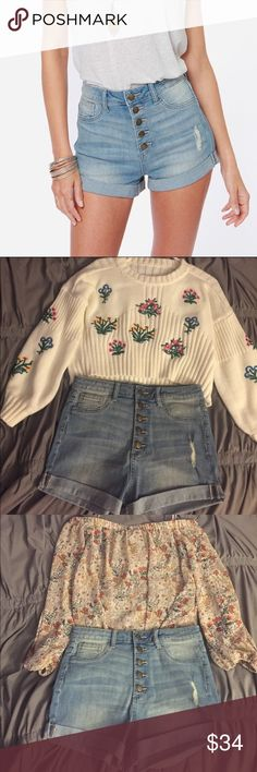 🌸 High-Rise Jean Shorts 🌸 Super cute high-rise jean shorts from Lulu's. Never worn, i wish i could but i bought a size too big. Looks amazing with anything / any outfit. Perfect for the summer time! 🦄 Size - M Lulu's Shorts Jean Shorts