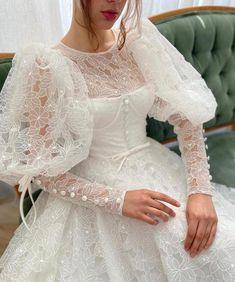 White Lace Gown, White Bridal Dresses, Dream Wedding Dresses, Bridal Gowns, Wedding Gowns, Fantasy Gowns, Fairytale Dress, Dream Dress, Beautiful Dresses