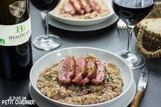Comment faire un risotto au magret de canard. Recette facile. Apprenez à réaliser ce délicieux plat de riz à l'italienne agrémenté d'un bon magret de canard du Sud-Ouest.