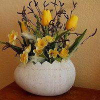 Easter Flower Arrangements, Easter Flowers, Diy Flowers, Floral Arrangements, Easter Wallpaper, Ideias Diy, Spring Home Decor, Handmade Accessories, Decoupage