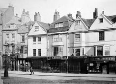 Whitechapel High Street in 1890 - deep in the heart of Jack the Ripper country. Vintage London, Old London, East End London, Victorian London, 19th Century London, St Just, London History, Old Street, London Photos