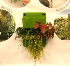 New Woolly Pocket Planter is Less 'Woolly,' But Makes Vertical Gardening Less Messy : TreeHugger