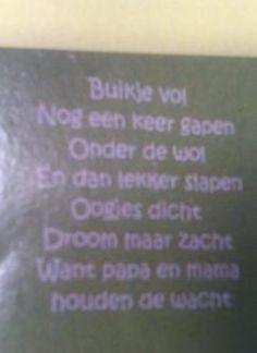 lieve woordjes voor op de muur van de <mark>babykamer</mark>