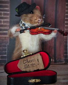 Needle Felted Art by Robin Joy Andreae: Dom, a Strreet Musician Rat