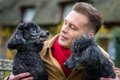 Chris Packham Cannot Deal With The Death Of His Dog – Keeps Him In A Freezer! #ChrisPackham celebrityinsider.org #celebritynews #Lifestyle #celebrityinsider #celebrities #celebrity