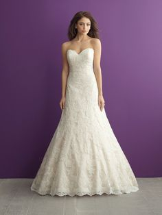 Sometimes simplicity is key. This lacy A-line number is sweet and subtle // Allure Romance 2952