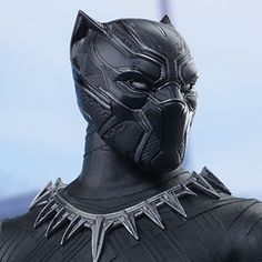 Hot Toys Marvel Sixth Scale Figures - Black Panther