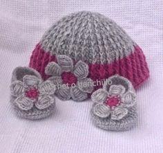 Crochet o ganchillo: Gorro y patucos recién nacido con flor