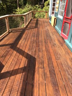 Aru Hardwood Deck On A Second Floor Balcony Get Your Clear Grade Decking From Nova Usa Wood We Offer Amazing Deals Whole Pricing And