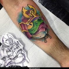 tatuagem masculina braço new school:colorida preta desenho braço no pescoço pequena perna na mao flores tradicional costas #tattoo Tatuagem New School, Dragon Ball, Tattoos, Art, Heart Tat, Meaning Tattoos, Colorful, Pereira, Dibujo
