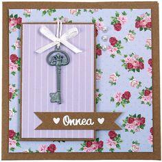 Metalliset avainkoristeet sopivat erinomaisesti koristeeksi kortteihin. Tarvikkeet ja ideat Sinellistä!