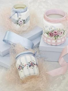 Pinner said: These are glass jars I (Annie Johnson) painted. I first sealed the…