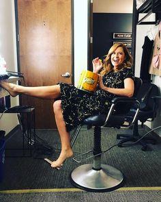 c0aff417f580b Jenna Fischer, Salon Chairs, Celebs, Celebrities, Celebrity Feet, American  Actress,