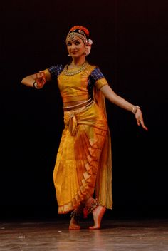 Folk Dance, Dance Art, Dance Outfits, Dance Dresses, Indian Classical Dance, Dance Paintings, Dance Pictures, Dance Images, Tribal Belly Dance
