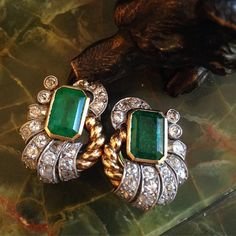 """Retro 18kt two color gold emerald and diamond clip (non-pierced) earrings #retro#retrojewelry#retroemerald#emeraldearrrings#retroemeralddiamondearrings#alexandriaantiquejewelry#alexandriava"" Photo taken by @theantiqueguild on Instagram, pinned via the InstaPin iOS App! http://www.instapinapp.com (12/22/2015)"