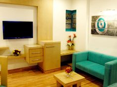 A cozy room in a hotel In Delhi, in the midst of the busiest metropolitan in India.  Enjoy your space & time! http://www.jivitesh.com/blog/a-snug-little-retreat-in-new-delhi