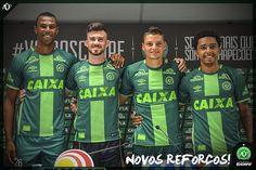 Mais quatro atletas foram apresentados oficialmente para representar o Verdão na temporada 2017! Luiz Otávio, Elias, Andrei Girotto e Osman. Sejam muito bem-vindos. Vamos lutar juntos.  #VamosChape