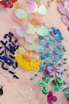 Ashish on silk-organza Embroidery Designs, Couture Embroidery, Embroidery Fashion, Beaded Embroidery, Hand Embroidery, Diy Broderie, Organza Dress, Silk Organza, Textiles Techniques