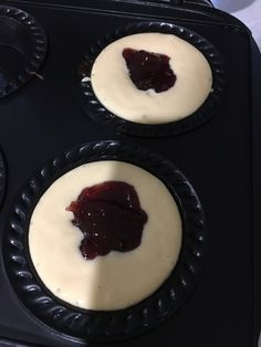 Mini Pie Recipes, Dessert Recipes, Cooking Recipes, Desserts, Yummy Recipes, Recipies, Jam Donut, Aussie Food, Bisquick Recipes