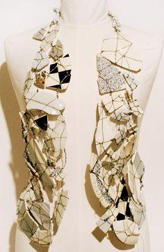 Maison Martin Margiela - fragments of broken porcelain creating a waistcoat, aw 1989 Textiles, Creation Couture, Recycled Fashion, Kintsugi, Fabric Manipulation, Deconstruction, Fashion Show, Fashion Design, Costume