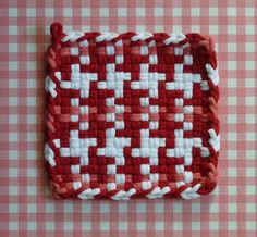 Red and White Pinwheel with Pink Retro Vintage Style Loom Loops Potholder