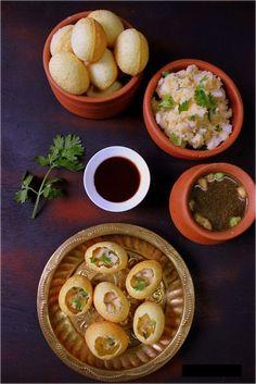 Puri / Gol Gappa Recipe gol gappa, pani puri, puchka/ i just wanna eat themmmmmmmmmmmm.gol gappa, pani puri, puchka/ i just wanna eat themmmmmmmmmmmm. Aloo Tikki Recipe, Pani Puri Recipe, Chaat Recipe, Indian Snacks, Indian Food Recipes, Vegetarian Recipes, Cooking Recipes, Cooking Tips, Snacks Recipes