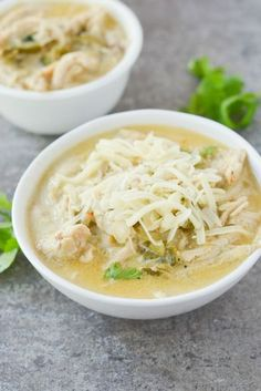 This Keto White Chicken Chili is an amazing comfort food for the changing season. - This Keto White Chicken Chili is an amazing comfort food for the changing seasons. It's filling, - Ketogenic Recipes, Low Carb Recipes, Diet Recipes, Chicken Recipes, Healthy Recipes, Delicious Recipes, Ketogenic Diet, Recipes Dinner, Dessert Recipes