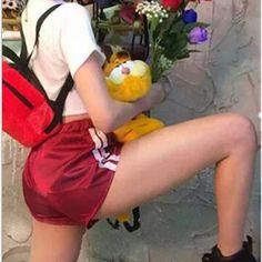 Barato 2017 verão mulheres sexy cetim shorts de cintura alta casual cinza preto rosa verde vermelho curto feminino das mulheres calções, Compro Qualidade Calções diretamente de fornecedores da China: 2017 verão mulheres sexy cetim shorts de cintura alta casual cinza preto rosa verde vermelho curto feminino das mulheres calções