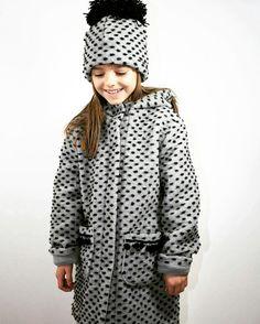 Wool coat  #płaszczyk z kapturem #płaszcz wełniany #czapki #hat #kidsfashion #polskamoda