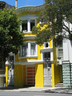 Walk the streets of San Francisco, pick a house and day dream of dwelling there #RideColorfully