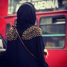 Abaya shoulder pattern