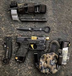 Survival Tips – What to Do When Kidnapped – Bulletproof Survival Tactical Life, Edc Tactical, Tactical Equipment, Protection Rapprochée, M&p Shield 9mm, Edc Gadgets, Everyday Carry Gear, Tac Gear, Military Guns