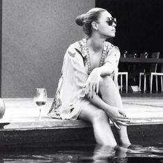 #Love Beyonce drinking wine poolside
