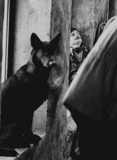 Андрей Тарковский на съёмках фильма Сталкер. Автор Гневашев Игорь, 1978