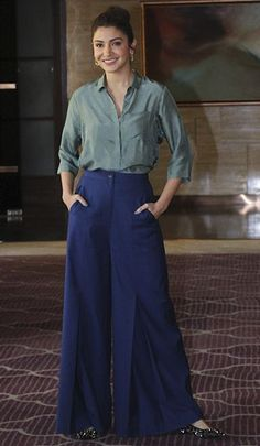 Palazzo Pants Outfit For Work. 14 Budget Palazzo Pant Outfits for Work You Should Try. Palazzo pants for fall casual and boho print. Western Outfits, Western Dresses, Indian Outfits, Anushka Sharma, Tops For Palazzo Pants, Palazzo Pants Indian, Vinyl Pants, Fashion Pants, Fashion Outfits