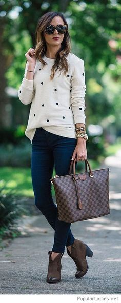 Nude blouse, jeans and brown accessories