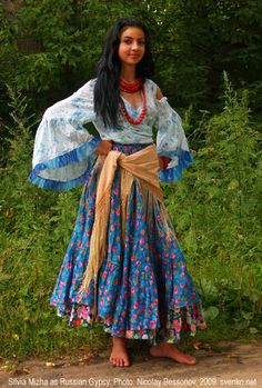 Russka Roma, also known as Russian Gypsies, are the biggest Romani group of Russia. They were nomadic for a long time. Russka Roma's tratitional occupations were horse trading (for men) and fortune telling and begging (for women), but in Russia they are more famous for their fiery dances and songs. Gypsy bands and camps are called tabor in Russia