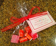 Treat Bags - A Teeny Tiny Teacher Gifts for Back to School Night-love this.here's this years treat Back To School Night, 1st Day Of School, Beginning Of The School Year, Back To School Gifts, School Fun, School Stuff, School Starts, School Days, Curriculum Night