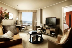The suite life at the Four Seasons Hotel Sydney.