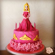 Gâteau Aurore la Belle au Bois Dormant tuto! Disney Princess Decorations, Cake Decorating, Birthday Cake, Disney Cakes, Desserts, Disney Princesses, Pixar, Aurora, Girly